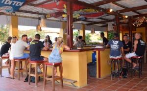 Duikvakantie Bonaire Divehut Bonaire Fun Tropicana Apparments vakantieduiker bar