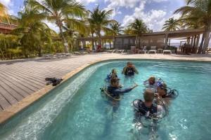 Duikvakantie Bonaire Wannadive vakantieduiker Pool teaching confined carlos