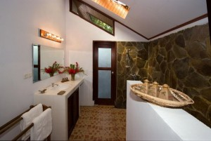 Duikvakantie Murex Manado Bathroom vakantieduiker