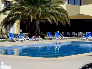 duikvakantie azoren hotel caravelas zwembad vakantieduiker