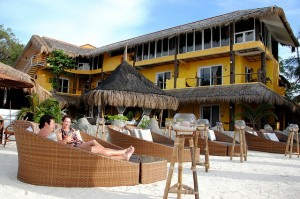 duikvakantie filipijnen malapascua voshaaienbank strand vakantieduiker