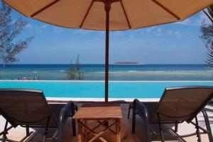 duikvakantie zanzibar zwembad en zee vakantieduiker