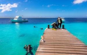 Duikvakantie Bonaire Buddy dive resort duikdek vakantieduiker